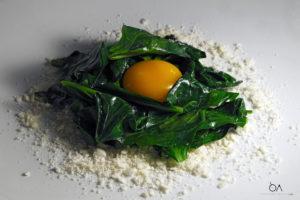 Uovo agrodolce, biete e meringa di ricotta